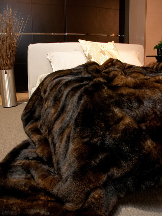 Chocolate NZ Possum Throws & Blankets - New Zealand Possum fur is an incredibly silky soft, plush, warm and luxurious natural product. This comes with a lovely velvet textured fabric backing.