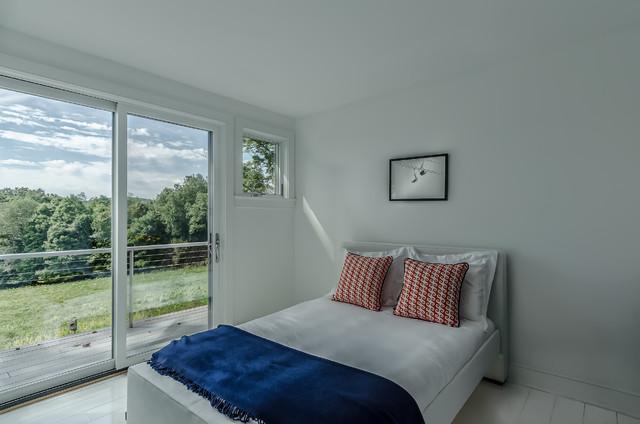 Circa 1700 farmhouse-bedroom