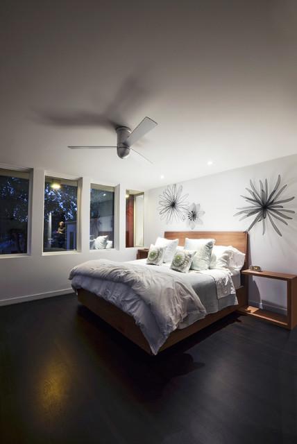 Cirrus Hugger Fan Contemporary Bedroom Chicago By