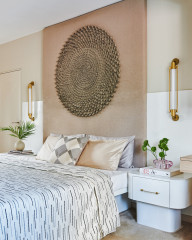 Indian Bedrooms Embrace Stunning Accents Behind the Bed