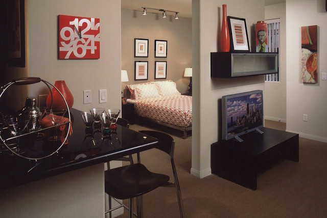 City Light on Fig in Los Angeles contemporary-bedroom