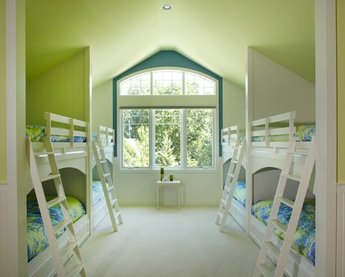 cuarto con literas y techo verde