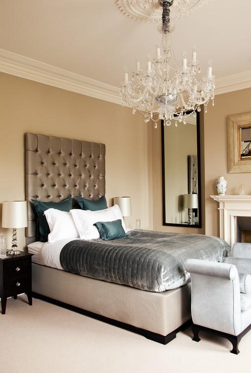 Викторианский арт деко бежевая спальня