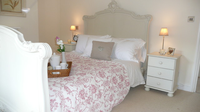 Collette Hanlon traditional-bedroom