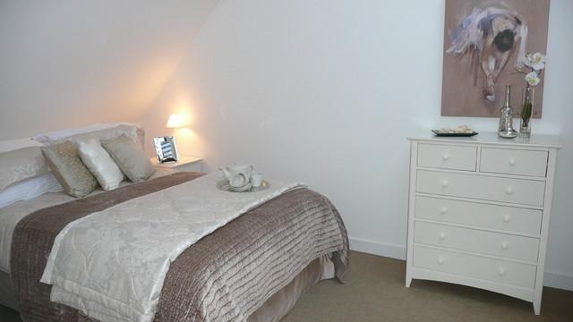 Collette Hanlon contemporary-bedroom