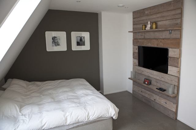 Concrete vs wood modern-bedroom