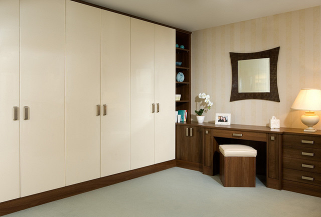 Bespoke bedroom in built wooden wardrobe and dressing table for Bedroom wardrobe designs with dressing table