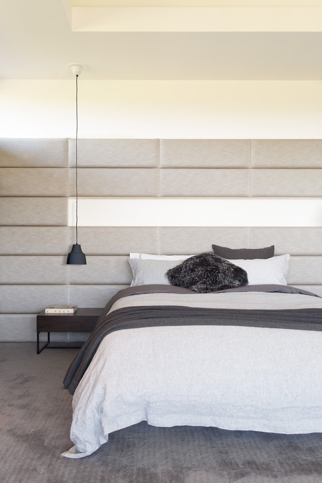 Bedroom - contemporary master carpeted bedroom idea in Melbourne