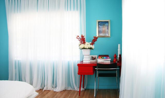 bold color modern bedroom