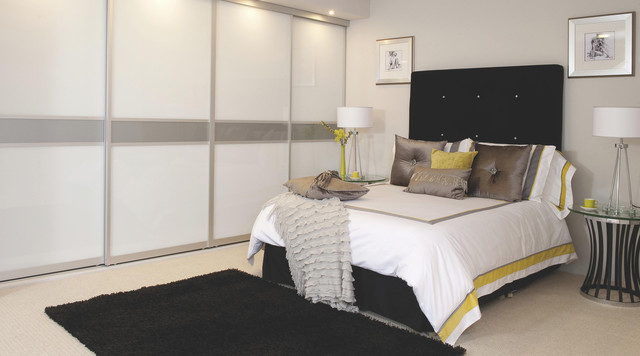 Contemporary white gloss sliding wardrobe doors for B and q bedroom ideas