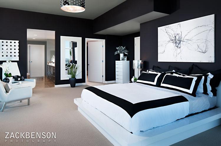 Minimalist bedroom photo in San Diego