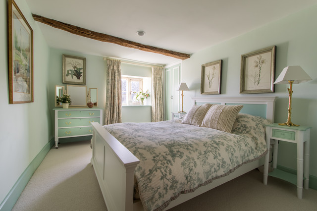 Cotswold House farmhouse-bedroom
