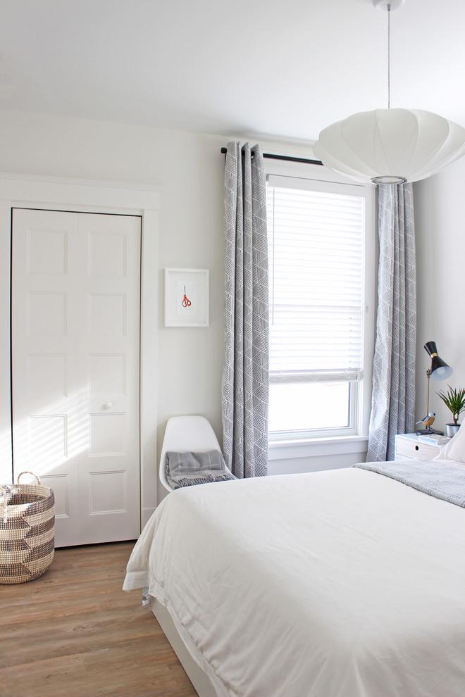 Inspiration for a scandinavian bedroom remodel in Toronto
