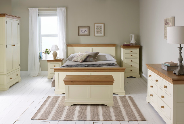 Country Cottage - Natural Oak Painted Bedroom - Country - Bedroom - Wiltshire - by Oak Furniture ...