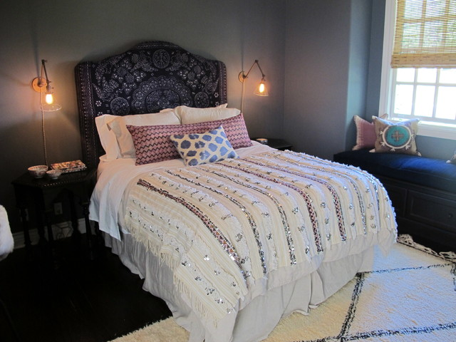 COUNTRY VALLEY traditional-bedroom