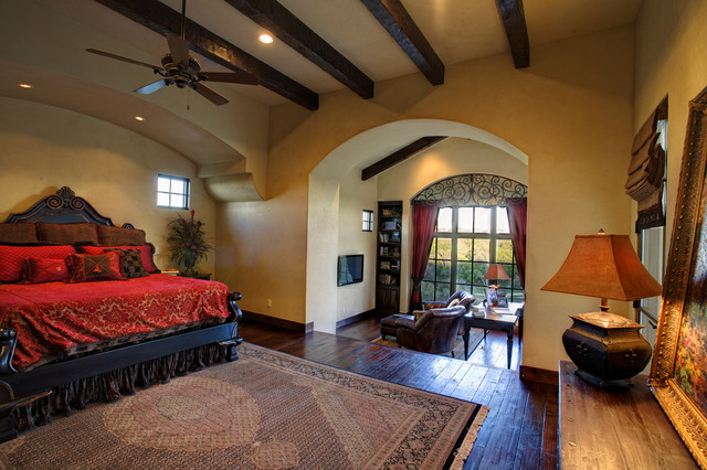 5700 spanish oaks for Mediterranean master bedroom