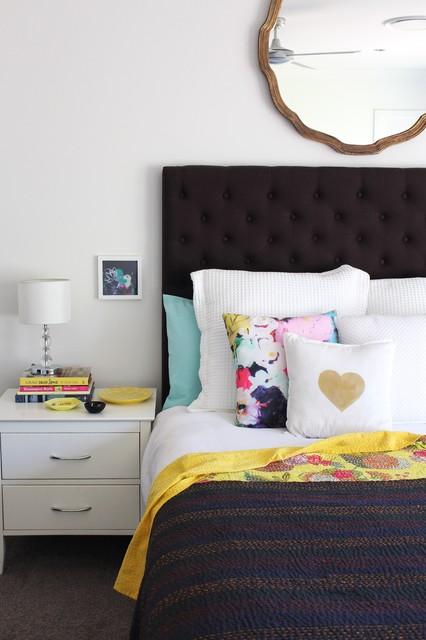 Inspiration for a zen bedroom remodel in Sydney