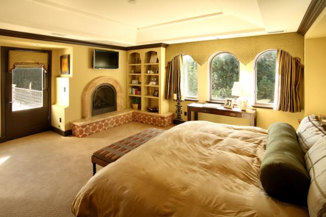 Crestmoor spanish revival mediterranean bedroom for Bedroom in spanish