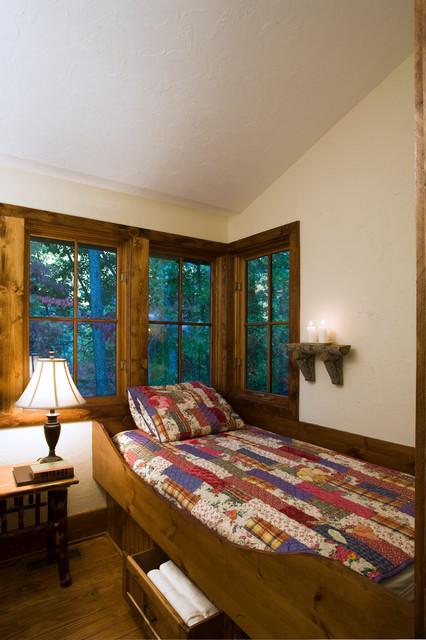 Creston Cabin traditional-bedroom
