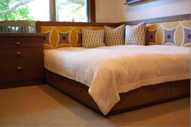 Custom Modern Industrial Home Ofiice modern-bedroom