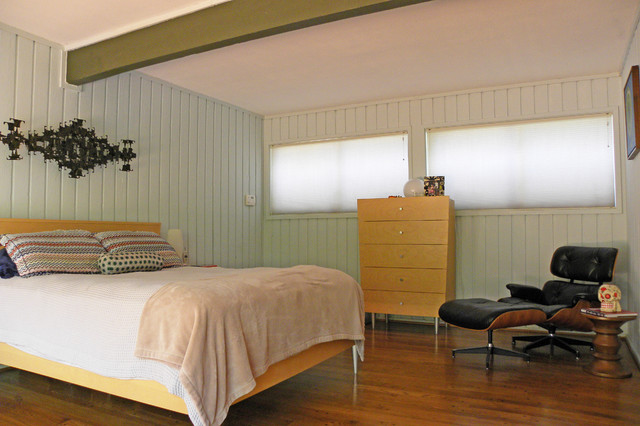 Midcentury Bedroom by Sarah Greenman