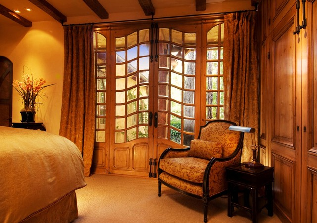 Debra Campbell Design traditional-bedroom