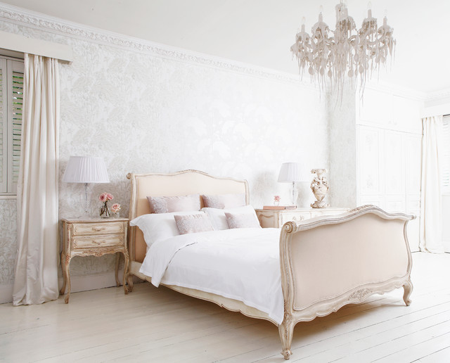 Delphine French Upholstered Bed Shabby Chic Style Schlafzimmer