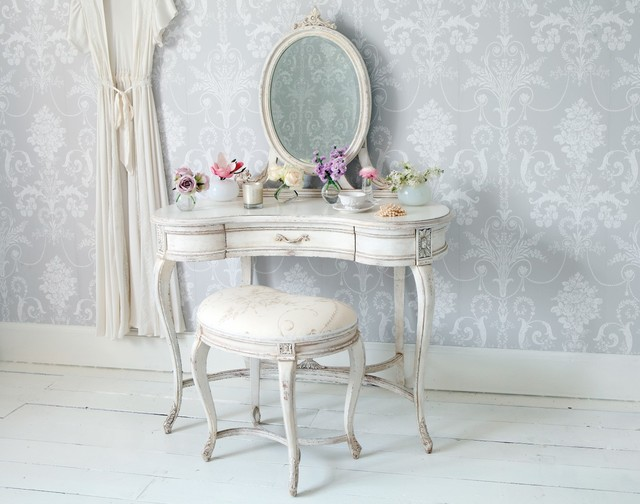 Delphine shabby chic dressing table romantique chambre south east par the french bedroom - Chambre shabby ...