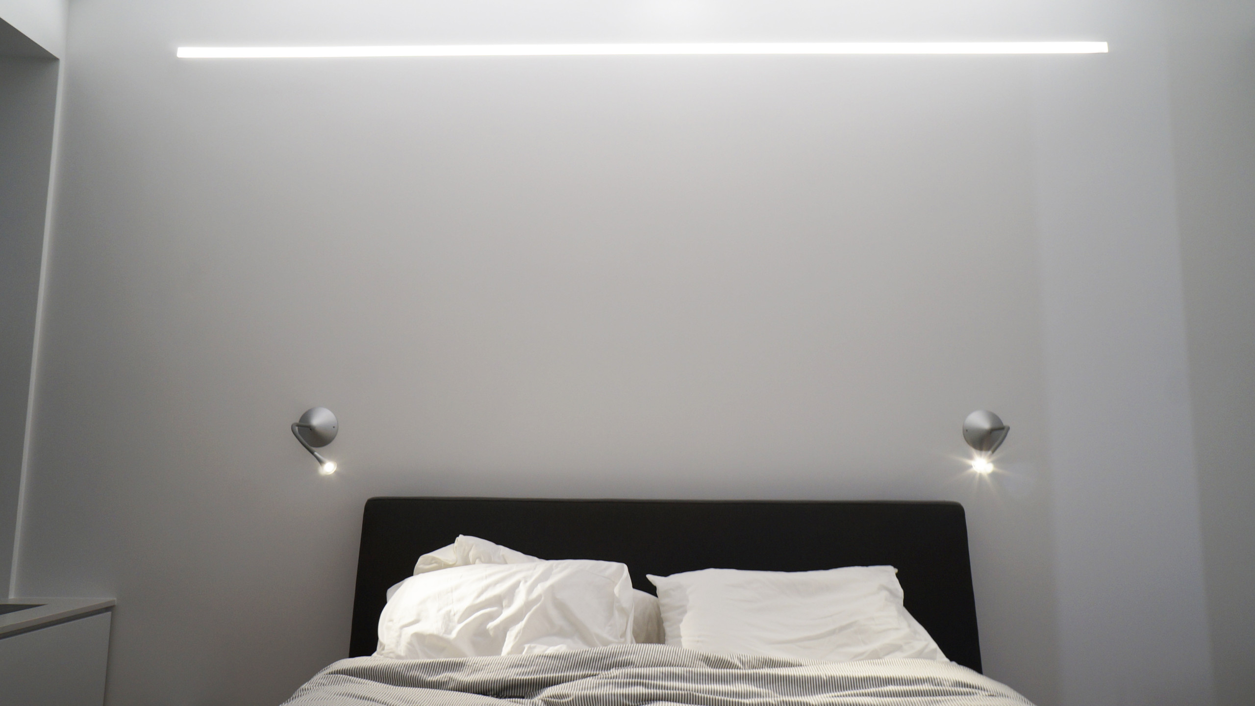 DETAIL  -  Bedroom and Linear Built in Ambient Light