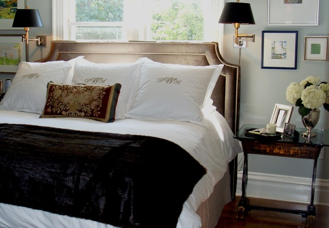 Donna DuFresne traditional-bedroom