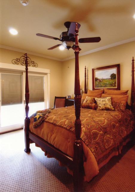 Dunn traditional-bedroom