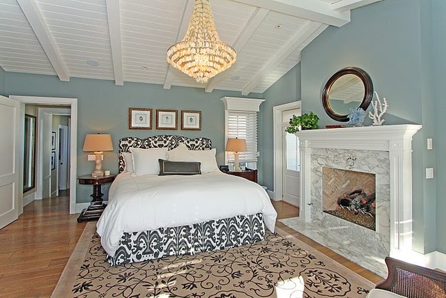 E Oceanfront Ave, Newport Beach  bedroom