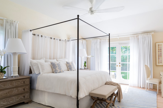 East hampton beach cottage beach style bedroom new for Hamptons style window treatments