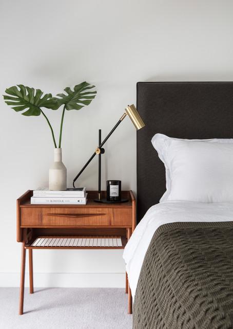 https://st.hzcdn.com/simgs/def1ac8b0ac7d23b_4-8859/midcentury-bedroom.jpg