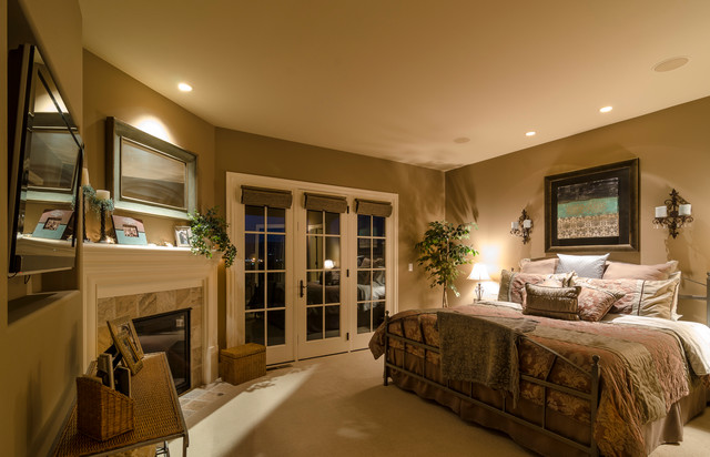East Valley Expanse traditional-bedroom