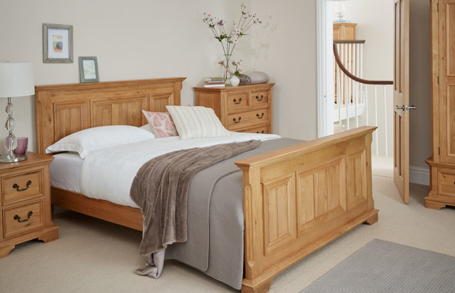 Edinburgh Solid Oak Bedroom Traditional Bedroom Wiltshire By