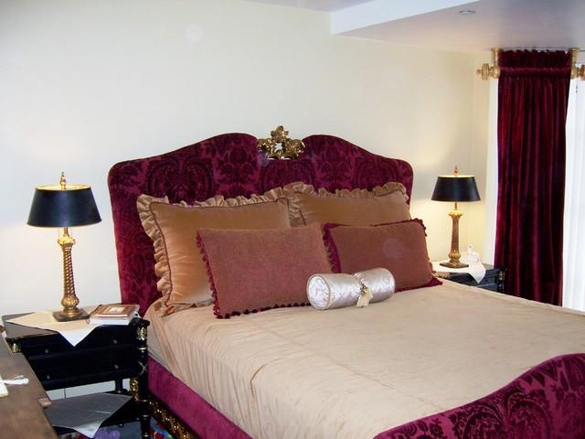 Elegant velvet european bed mediterranean bedroom for Velvet bedroom designs