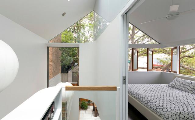 Elliott Ripper House contemporary-bedroom
