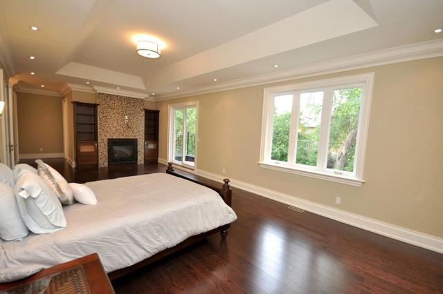 ELMWOOD traditional-bedroom