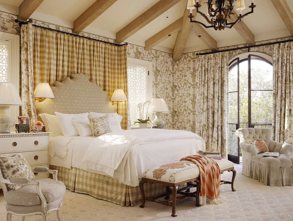 Inspiration for a timeless carpeted bedroom remodel in San Francisco with multicolored walls