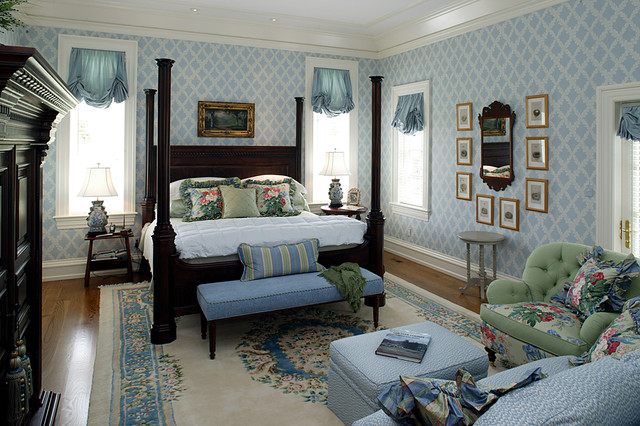 English Country House bedroom. English Country House