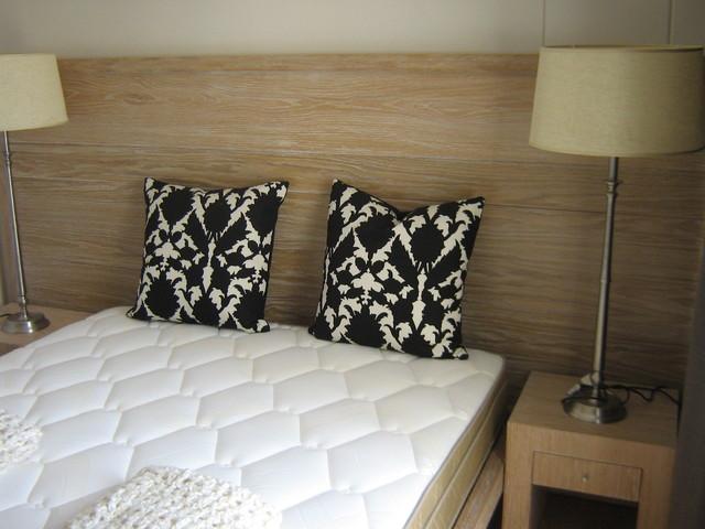 Exclusive Accomodation contemporary-bedroom