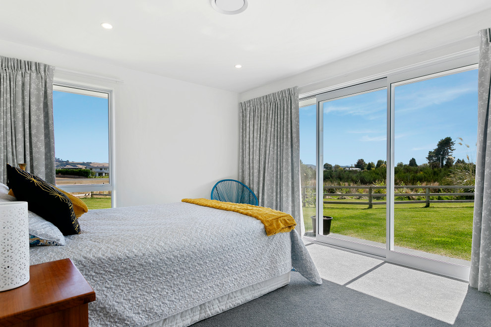 Family Home and Attached Granny Flat - Contemporary ...