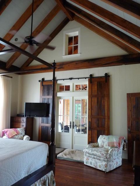 Farm House farmhouse-bedroom