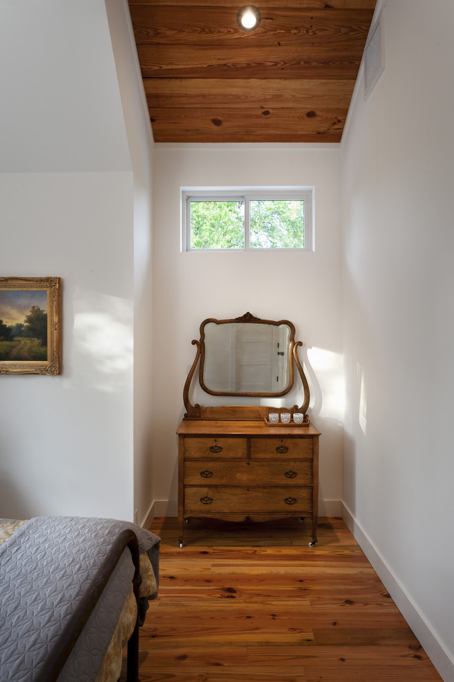 Inspiration for a country bedroom remodel in Austin