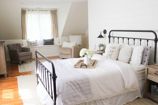 Inspiration for a country bedroom remodel in Bridgeport