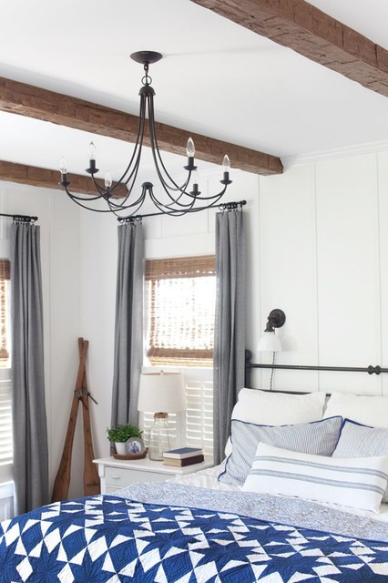 Mid-sized cottage master bedroom photo in Phoenix