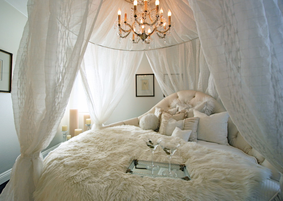 Cottage chic bedroom photo in Orange County with white walls