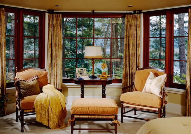 Fernandez traditional-bedroom