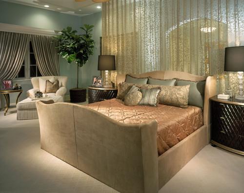 グリーン系の壁紙を使った寝室